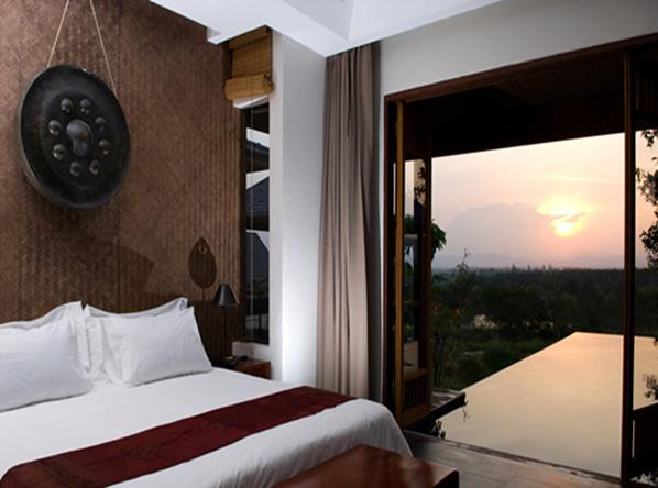 Guti Resort & Spa Hua Hin (By AKA)  บรรยากาศสงบเงียบวิว เป็นภูเขาแบบพาโนรามา พร้อมด้วยสิ่งอำนวยความสะดวกครบครัน
